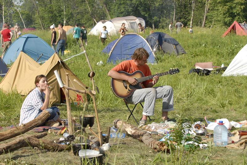 070611 6722 Russia - Moscow - Empty Hills Festival _E _P ~E ~L.JPG