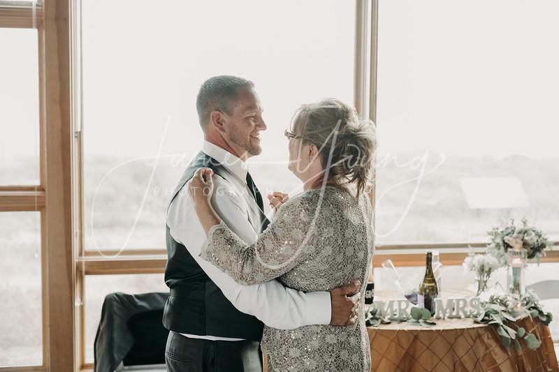 des_and_justin_wedding-2533-2.jpg
