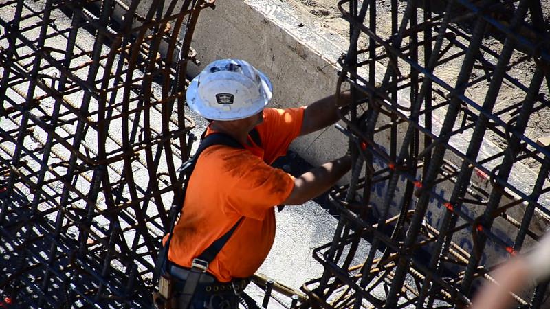 2015-02-09bridge construction 10.MOV