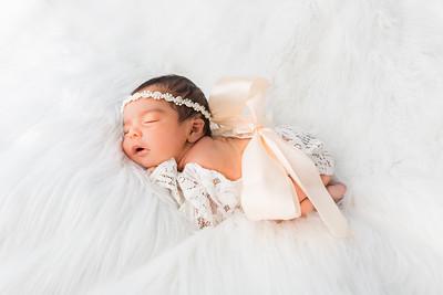 Maileni newborn