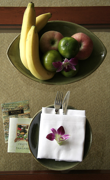 Fresh fruit waiting on the coffee table at the Shangri-La Hotel.