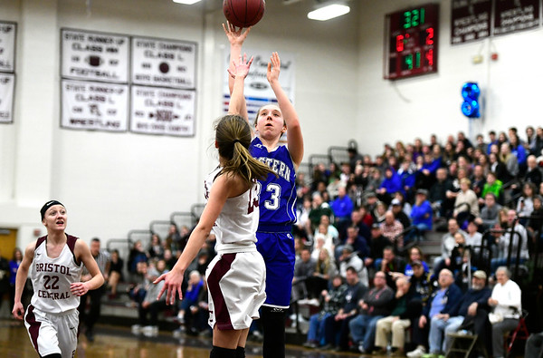 1/17/2019 Mike Orazzi | Staff Bristol Eastern's Jordan Ouellette (33) during Thursday night's girls basketball game at BC.