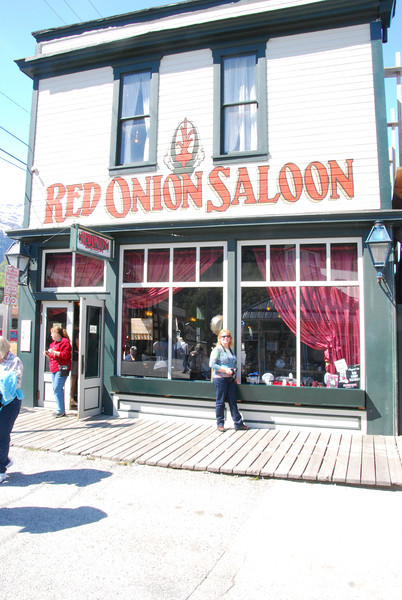 We had lunch at the Red Onion Saloon