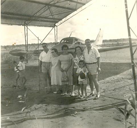 Cessna 310 -CR - LEF (Lima Echo Foxtrot) Luciano Fernandes e Esposa,  Adélia Martins e os 2 filhos Paulo e Fernando e a familia Mário Ribeiro