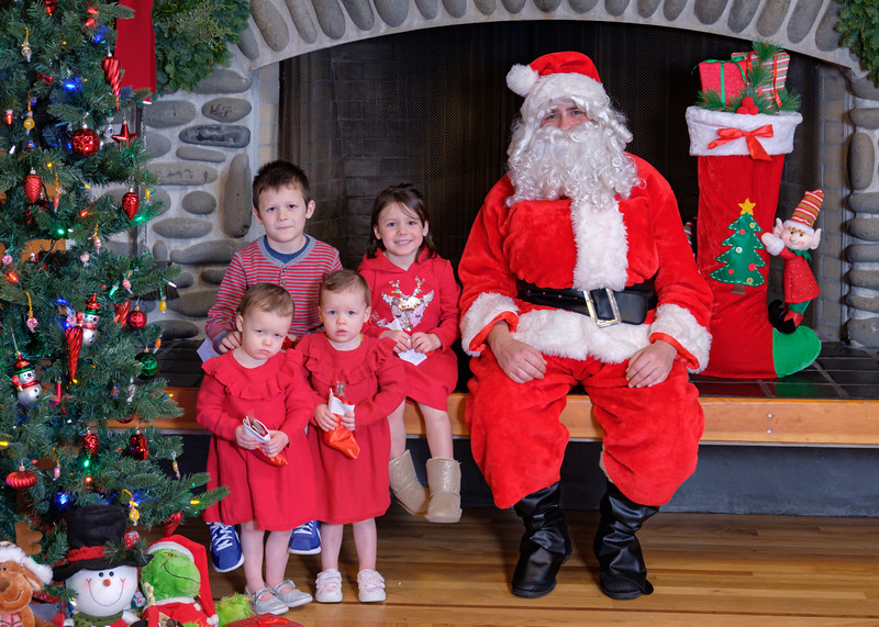 CB Santa 2019-7946.jpg
