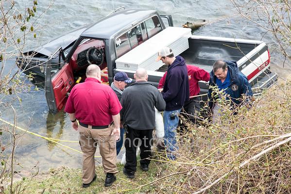 Truck Crashes Into Watauga River 03-18-15