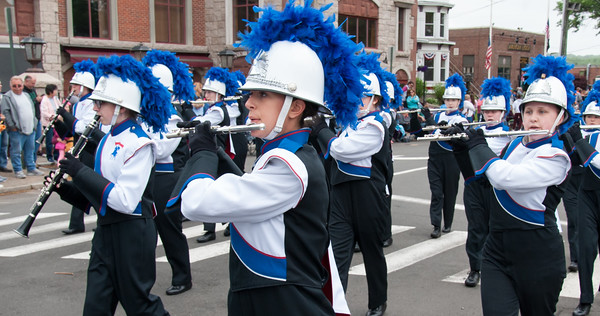 05/28/18 Wesley Bunnell   Staff A packed parade route greeted marchers in the 2018 Memorial Day Parade in Southington on Monday morning. Members of the Southington High marching band march down Main St.