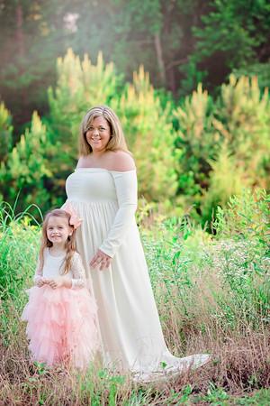 2018 Maternity Amy Jo