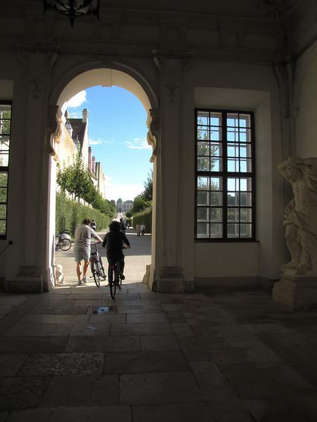 11-Entering Belvedere gardens at lower gate