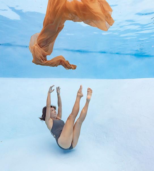 Underwater-family-kids