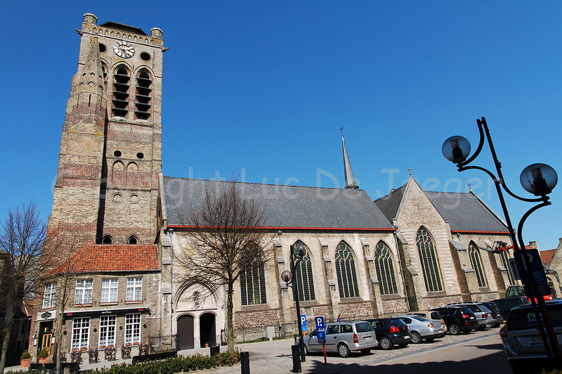 View on the Church of Saint Nicolas (Sint Niklaaskerk) in Veurne, Belgium.