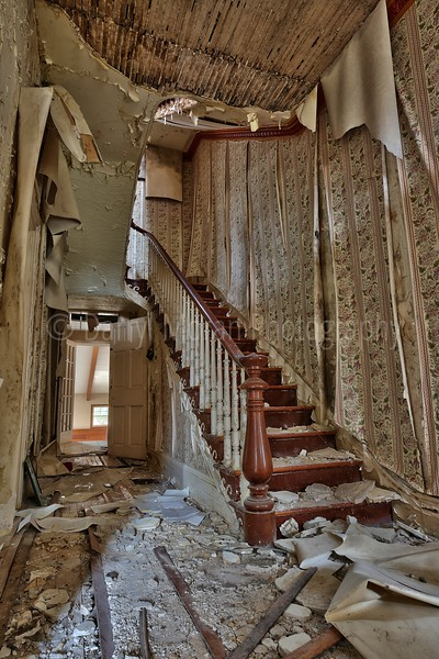 Abandoned Dr's Mansion (12).jpg