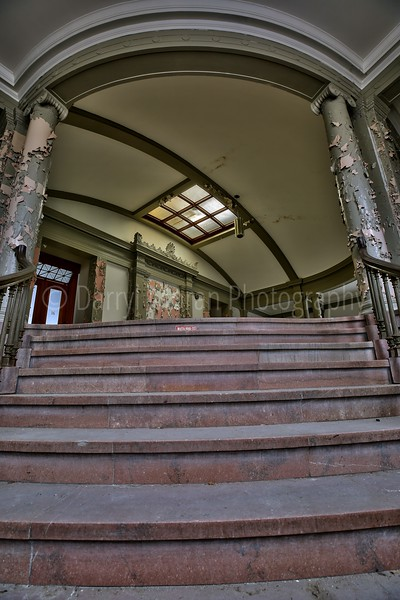 Abandoned Courthouse (2).jpg
