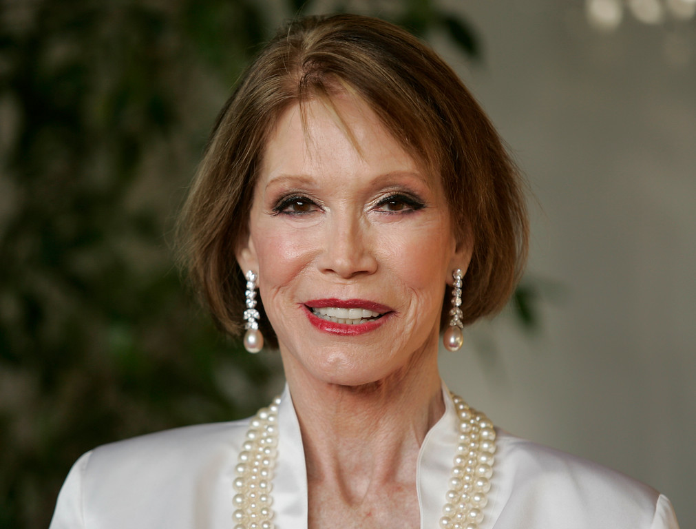 . Mary Tyler Moore arrive for the 13th Annual Screen Actors Guild Awards on Sunday, Jan. 28, 2007, in Los Angeles. (AP Photo/Chris Carlson)
