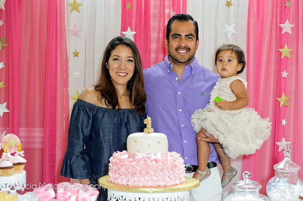 SOFIA'S 1ST BIRTHDAY PARTY - SHARING
