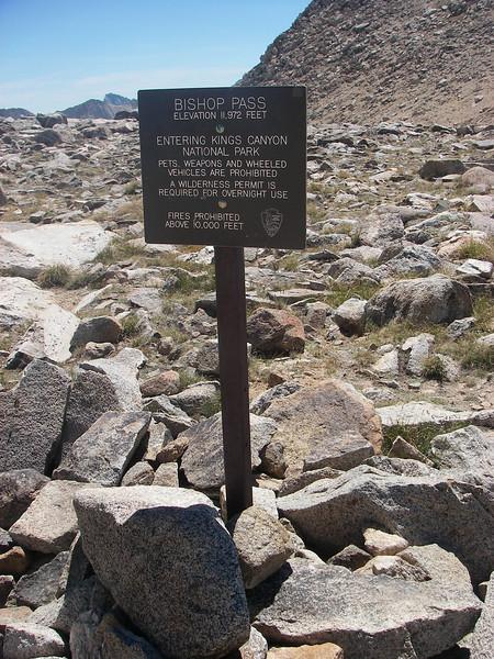 Bishop Pass - elevation: 11,972ft = 3,649m