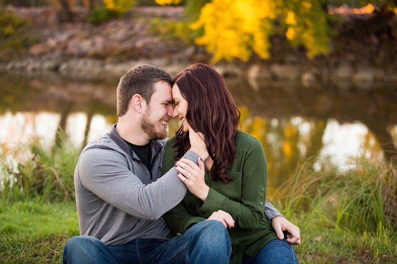 041 engagement photographer couple love sioux falls sd photography.jpg