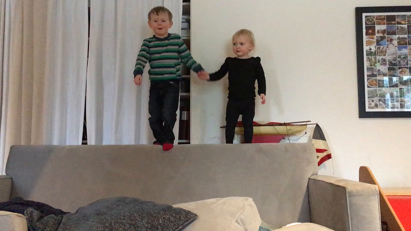 20160203 010 Kids jumping.MOV