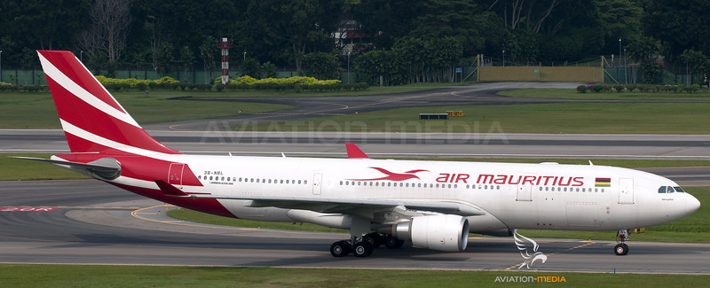 Air Mauritius_A332_3B_NBL_SIN_20101016__0012126_AM_Small.jpg