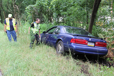 Car Into Woods, Hometown Hill, SR309, Tamaqua, (7-28-2013)