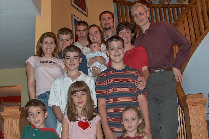 85 Family Picture10 9 2004-2 f4x6.jpg