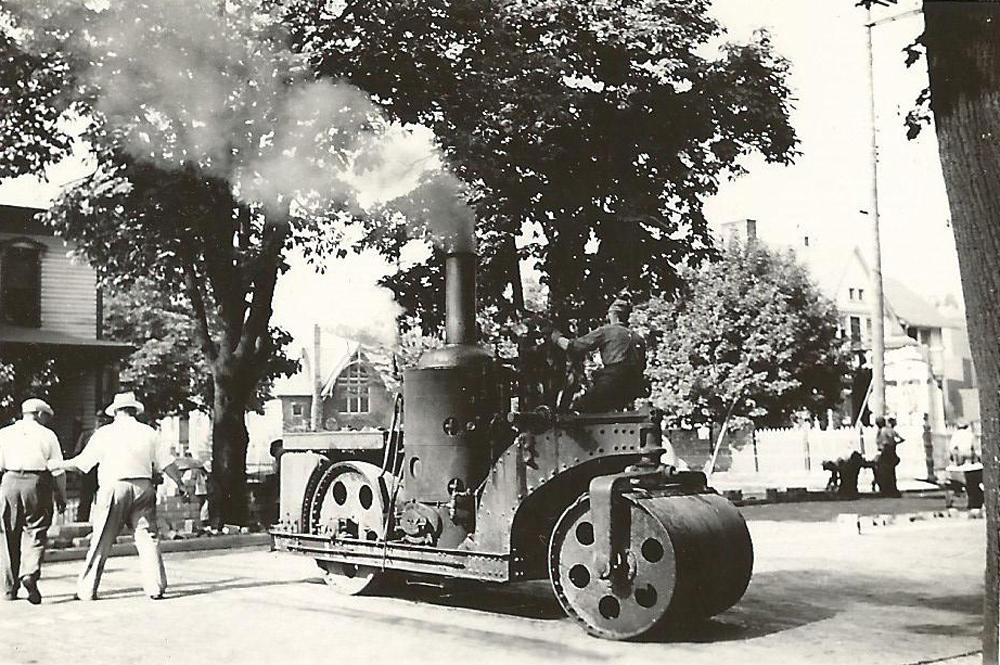 Description of . Historical Pontiac 2