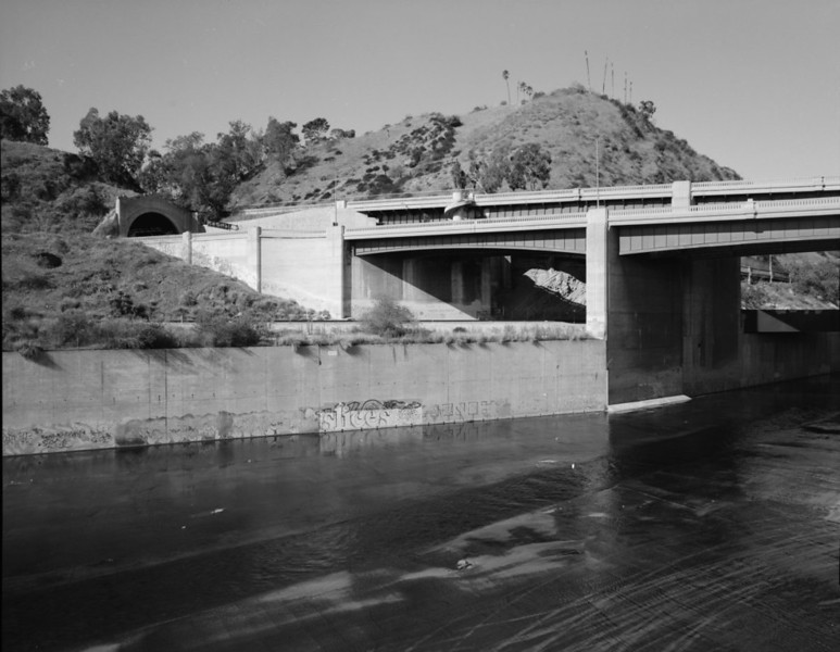 FIGUEROA-STREET-AND-LOS-ANGELES-RIVER-VIADUCTS.jpg