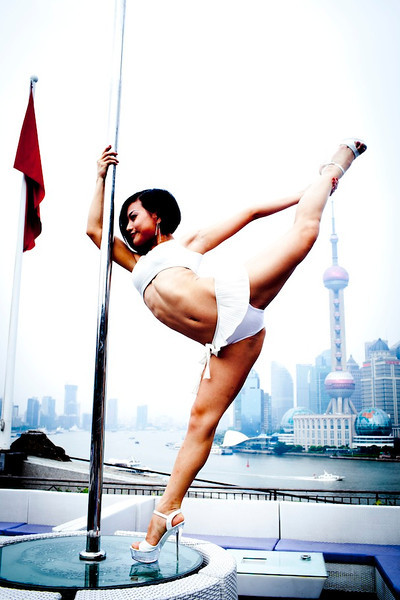 pole dance girl4.jpg