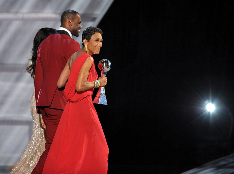 . Presenter LeBron James, center, and Arthur Ashe courage award winner Robin Roberts walk off stage at the ESPY Awards on Wednesday, July 17, 2013, at  Nokia Theater in Los Angeles. (Photo by John Shearer/Invision/AP)