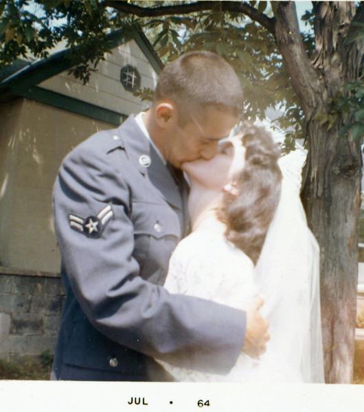 Edwin & Lynns first kiss.JPG