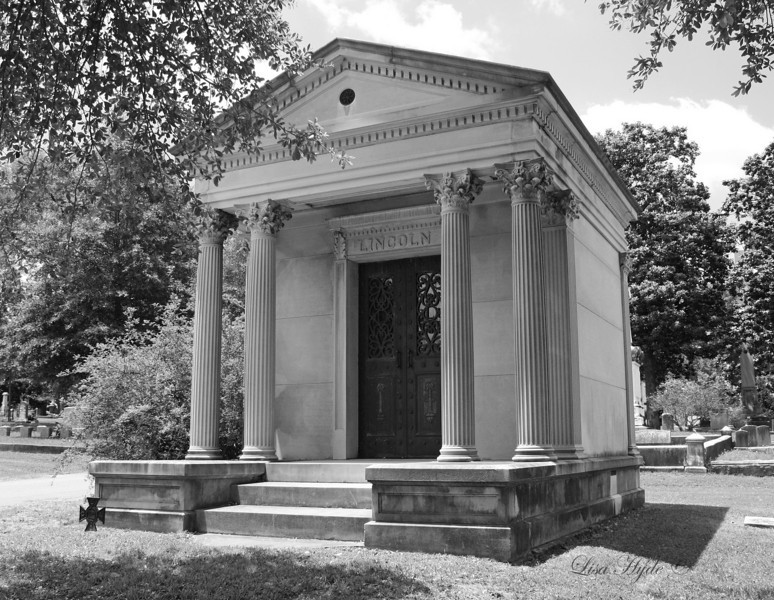 IMG_3589 PS Lincoln Mausoleum signed.jpg