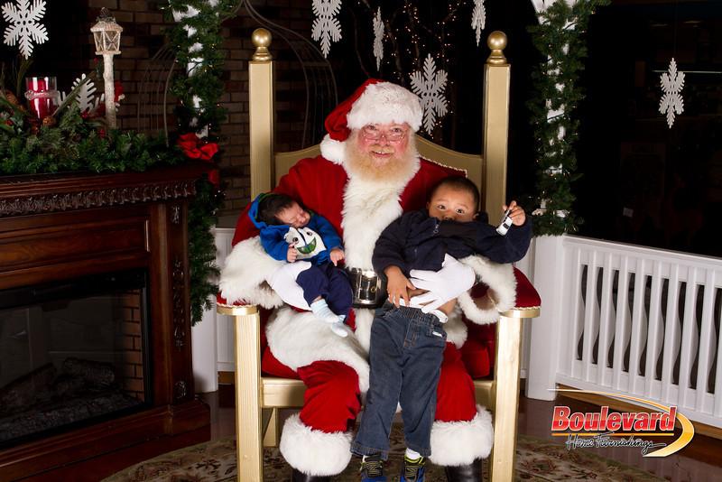 Santa Dec 15-275.jpg