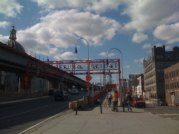 2008-10-18 On Williamsburg Bridge in NYC