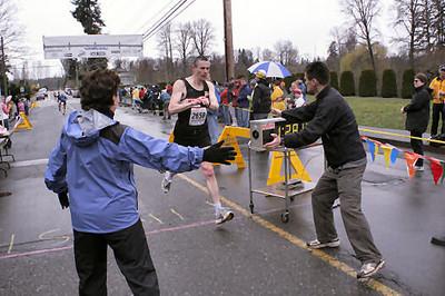 2005 Comox Valley Half Marathon - ComoxHalf2005-Al-Livsey-051.jpg