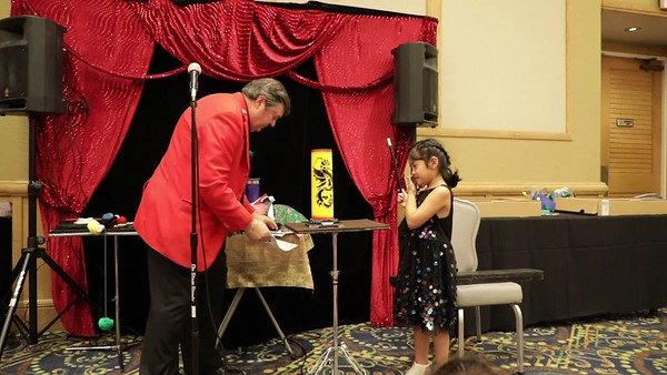Magician Glen Bailey Performs at First Birthday Party - May 26, 2018