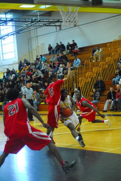 20090301_MCC Basketball_5613.JPG