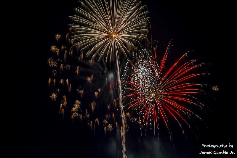 Fourth-of-July-Fireworks-2016-0370.jpg