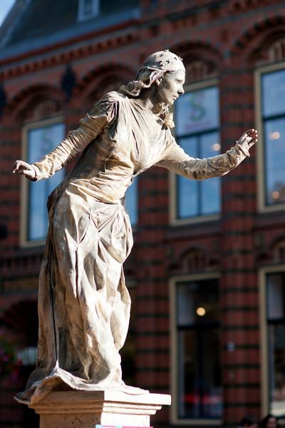 Arnhem world statues-05320.jpg