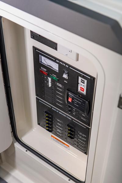 2020-SLX-R-310-outboard-MDC-01.jpg