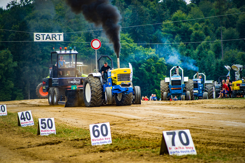 Tractor Pulling 2015-02479.jpg