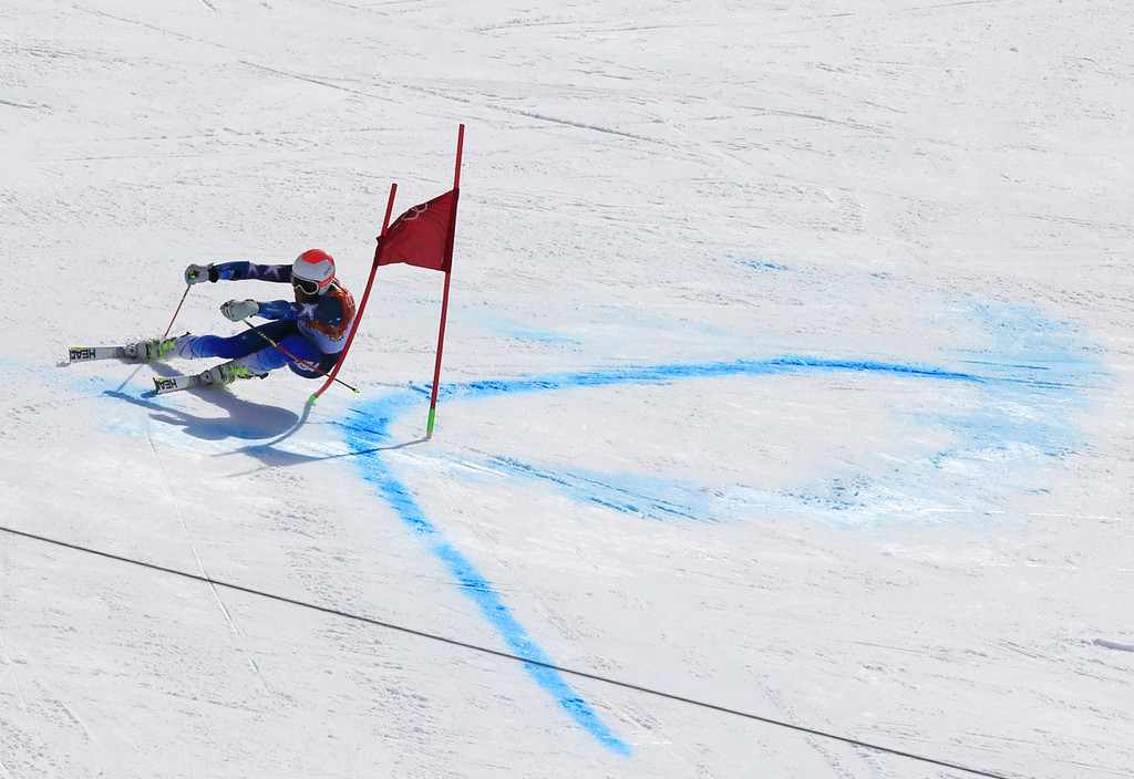 . US skier Bode Miller competes during the Men\'s Alpine Skiing Giant Slalom Run 2 at the Rosa Khutor Alpine Center during the Sochi Winter Olympics on February 19, 2014.     AFP PHOTO / ALEXANDER  KLEIN/AFP/Getty Images