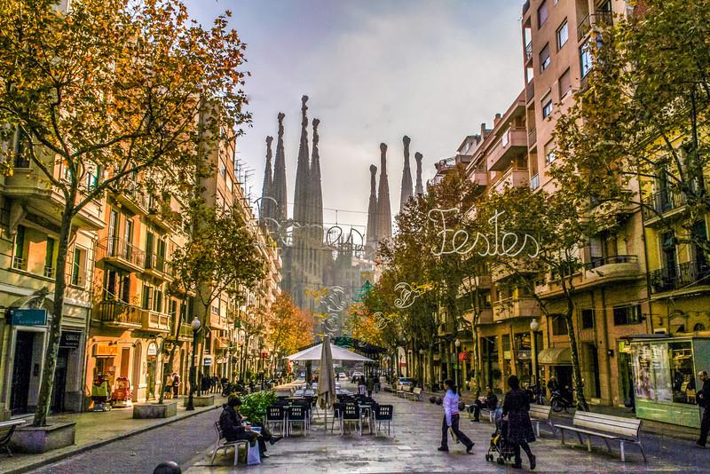 23 déc - Barcelone - Sagrada Familia vue de loin-Edit.jpg