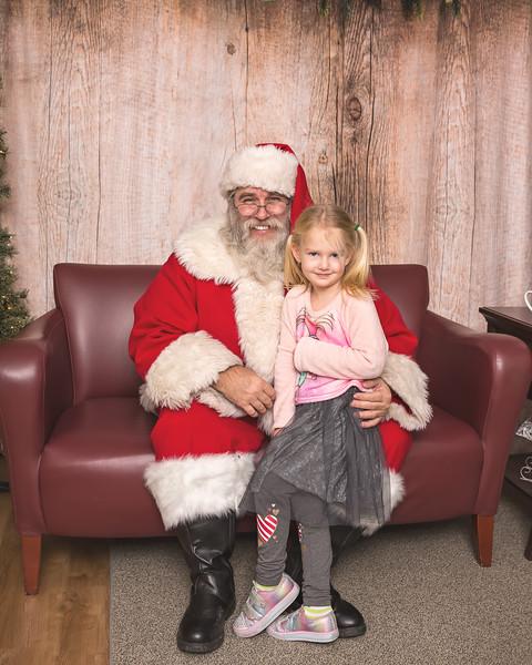 Ameriprise-Santa-Visit-181202-4954.jpg