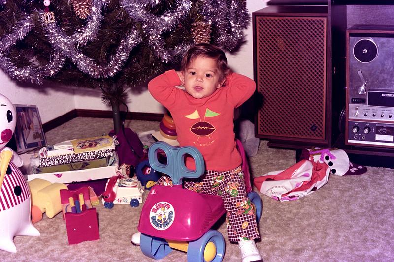 1975-12-30 #15 Anthony's 1st Birthday.jpg
