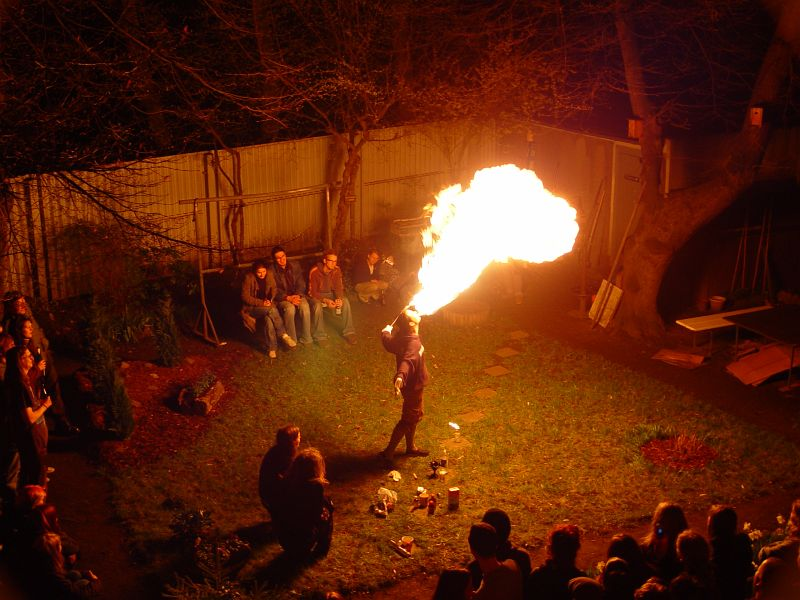 2005-04-09_04582 Feuererruption