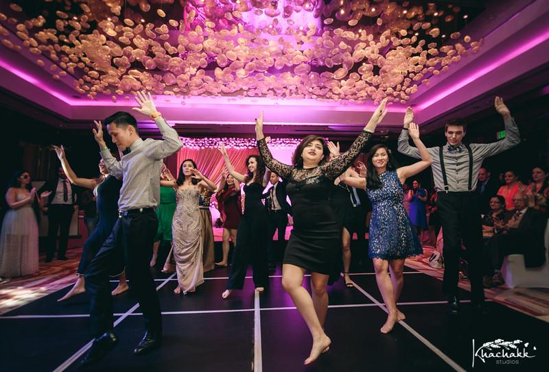 best-candid-wedding-photography-delhi-india-khachakk-studios_23.jpg