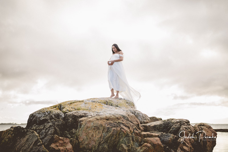 Kiran's Maternity Shoot - Cattle Point, Victoria BC. -40.jpg