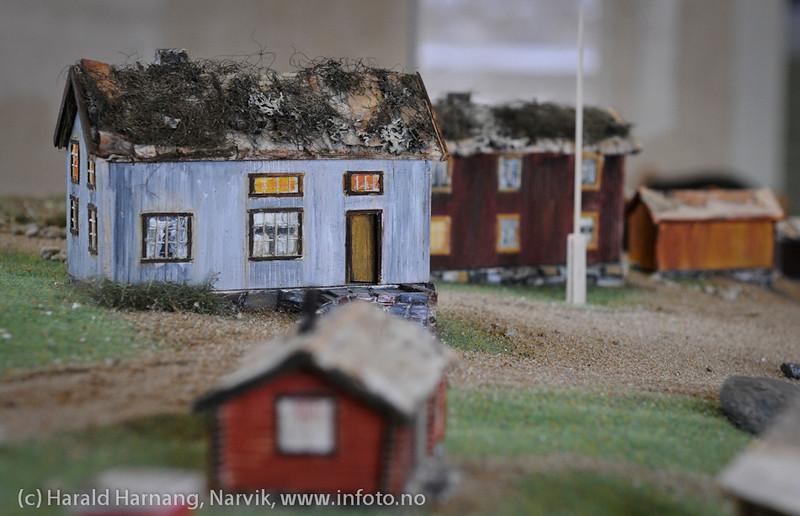 VU-2011: Museum Nord - Narvik, utstillinger, modell laget av Per Henrik Mørk og malt av Vera Steine.