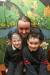 """Dearbhla Flynn and Deane Carroll from St Joseph's P.S. Newry are pictured with Duncan Campbell from Konflux theatre in education. The pupils are taking part in the """"play in a day"""" program as part of Eco Week. 06W11N39"""