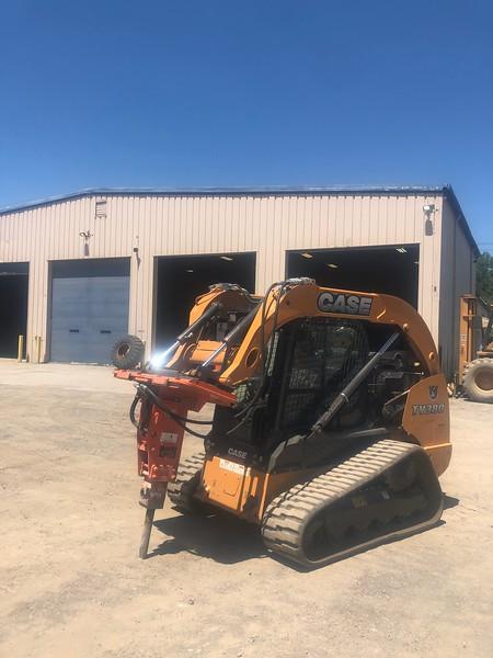 NPK PH2 hydraulic hammer on Case CTL skid steer - Monroe Tractor  06-20 (5).jpg